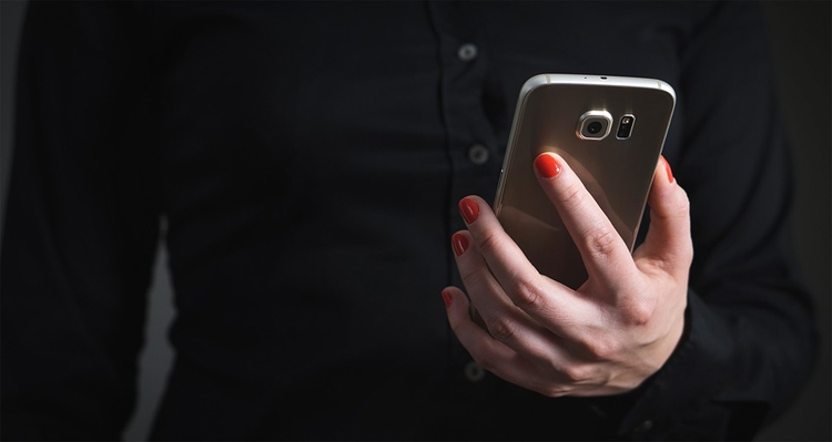 Продажи смартфонов в первом квартале составили почти 350 млн штук