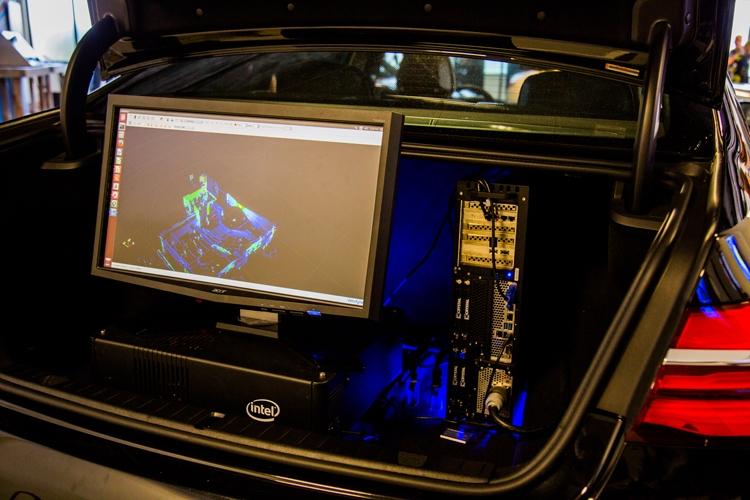 БМВ представила 1-ый беспилотный автомобиль
