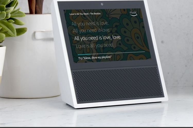 "Amazon представила смарт-динамик Echo Show с поддержкой видеозвонков и воспроизведения видео YouTube"""
