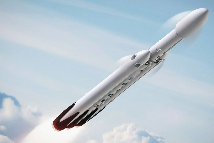 SpaceX опубликовала видео тестирования основного ускорителя Falcon Heavy