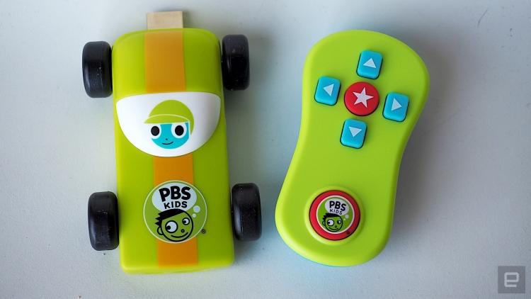 sm.pbskids02.750 - PBS показала детский ТВ-брелокKids Plug & Play в виде игрушечной машинки