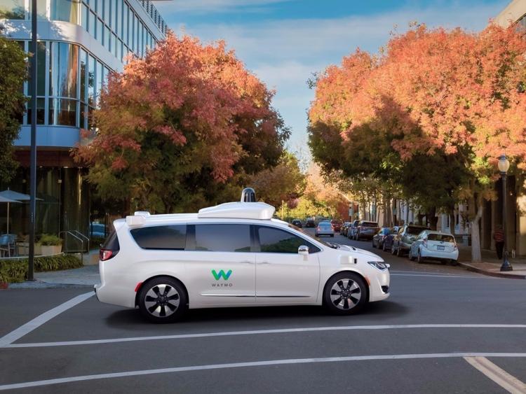 Waymo и Lyft будут совместно разрабатывать технологии для самоуправляемых автомобилей