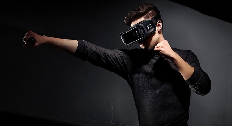 "ZeniMax подала в суд на Samsung по поводу VR-технологий в шлеме Gear"""