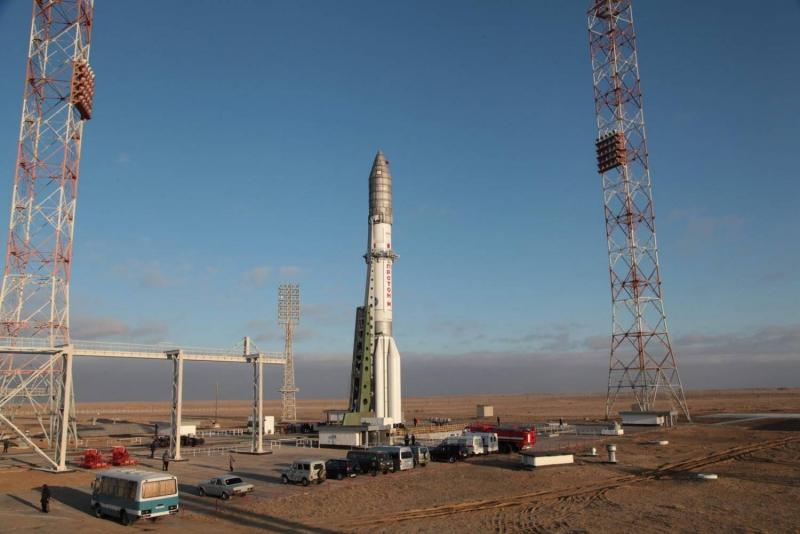 Тяжёлая ракета-носитель «Протон-М» на старте. Фото Роскосмоса