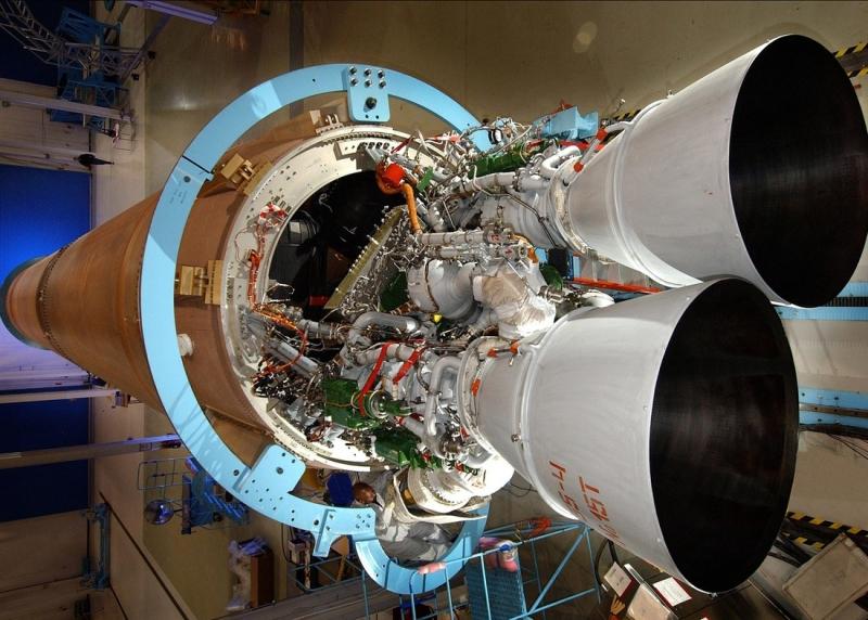 Российский двигатель РД-180, установленный в хвостовой части американской ракеты Atlas V. Фото NASA