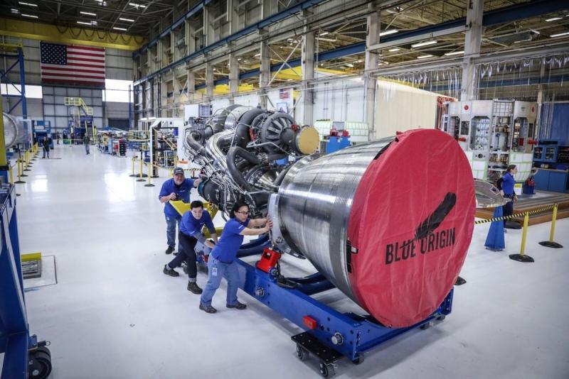Первый двигатель BE-4 в сборе. Фото The Verge