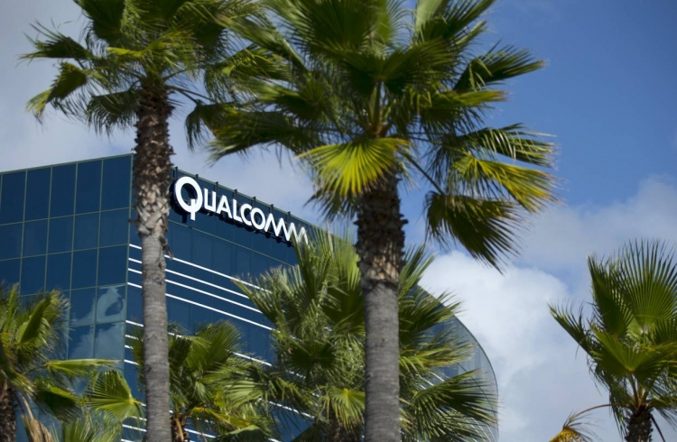 Qualcomm подала в суд на контрактных производителей электроники Apple - «Новости сети»