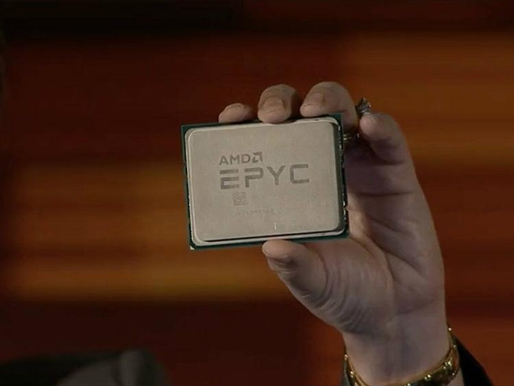 Процессор AMD EPYC имеет прямоугольный корпус и исполнение LGA