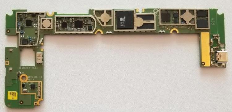 Прототип платы на Snapdragon 835, площадь 50,4 кв.см