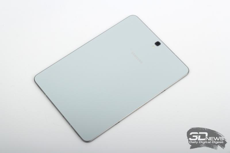 Samsung Galaxy Tab S3, тыльная панель: основная камера и одинарная светодиодная вспышка