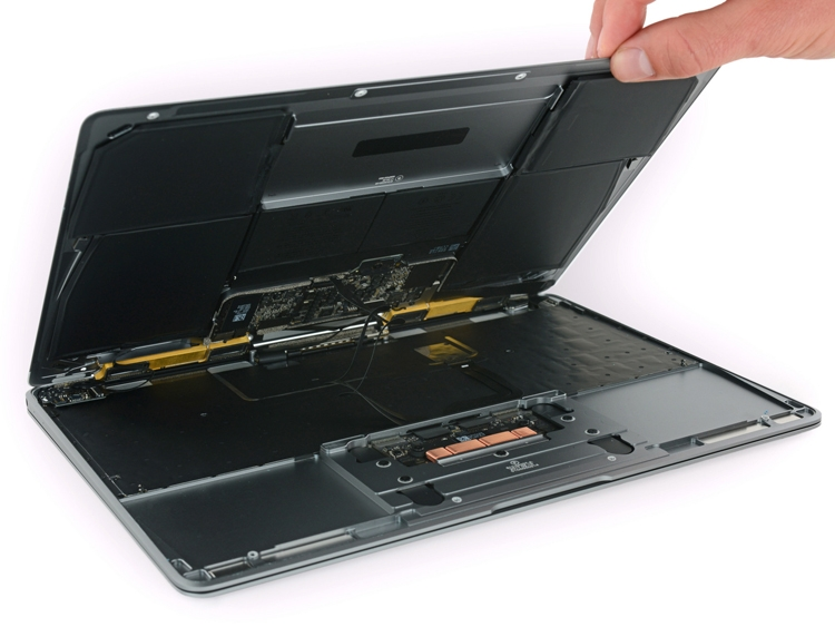 "iFixit: ноутбук Retina MacBook 2017 ремонту не подлежит"""