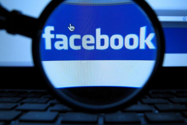 """Результат пошуку зображень за запитом """"британия штрафует фейсбук"""""""