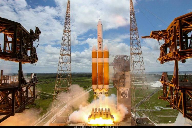 Запуск ракеты Delta IV Heavy с военным спутником в 2016 году
