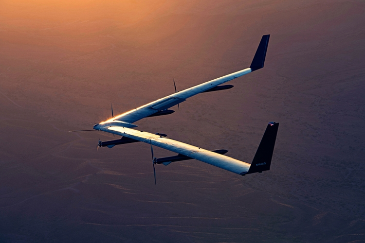 fb2 - Интернет-дрон Facebook Aquila впервые осуществил успешную посадку