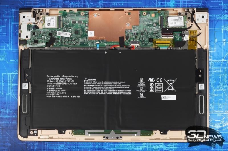 «Внутренности» ультрабука Acer Swift 7, у которого оперативная память распаяна на печатной плате