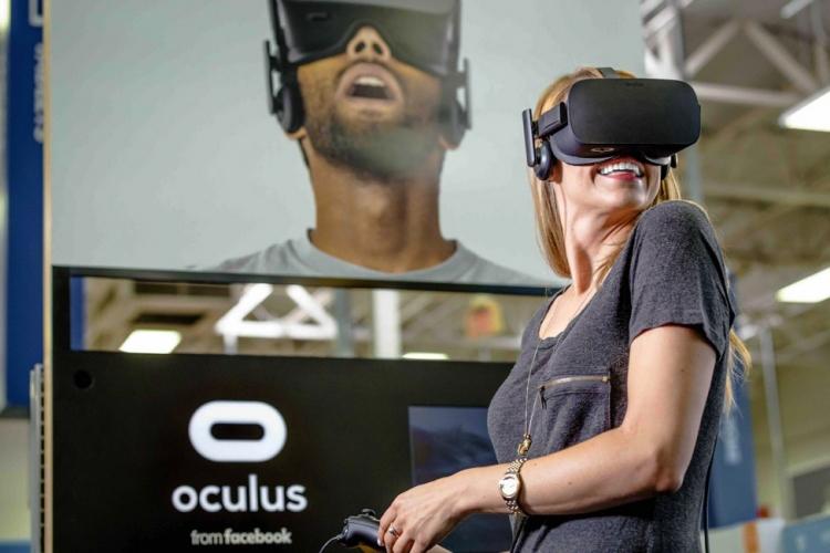 Цена накомплект Oculus Rift временно снизилась натреть