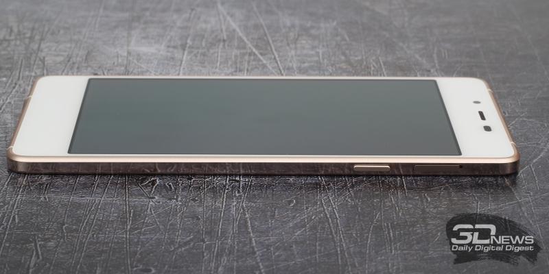 Micromax Canvas Sliver 5, правая грань: клавиша питания и слот для SIM-карты