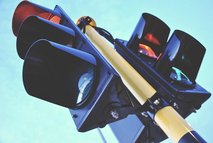 sv1 В России разработан «умный» светофор