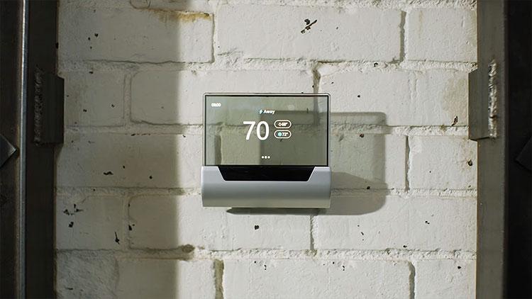 Голосовой помощник Cortana поселился в термостате GLAS от Johnson Controls