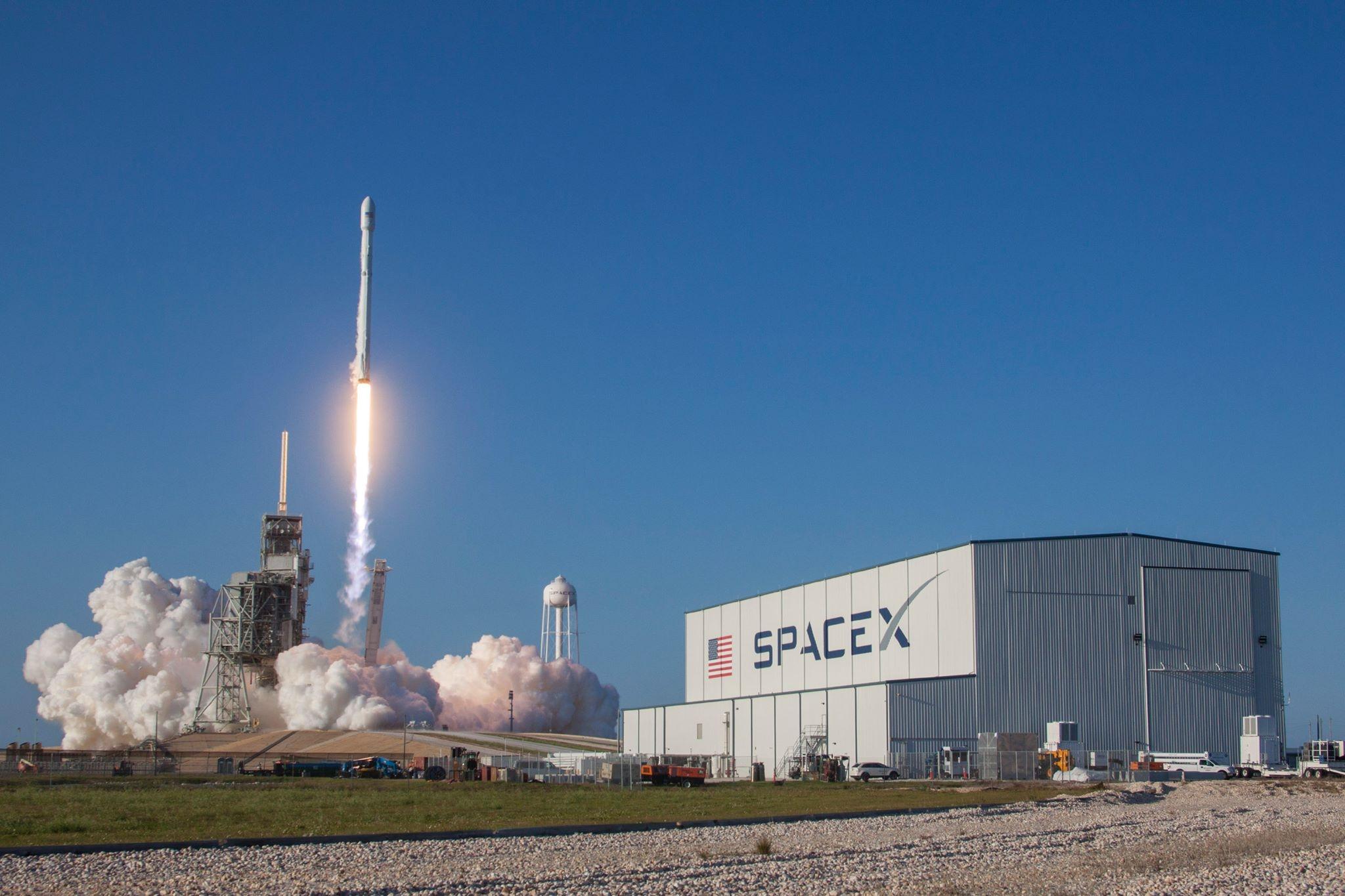 SpaceX планирует реализовать повторный запуск ракет к 2018 году