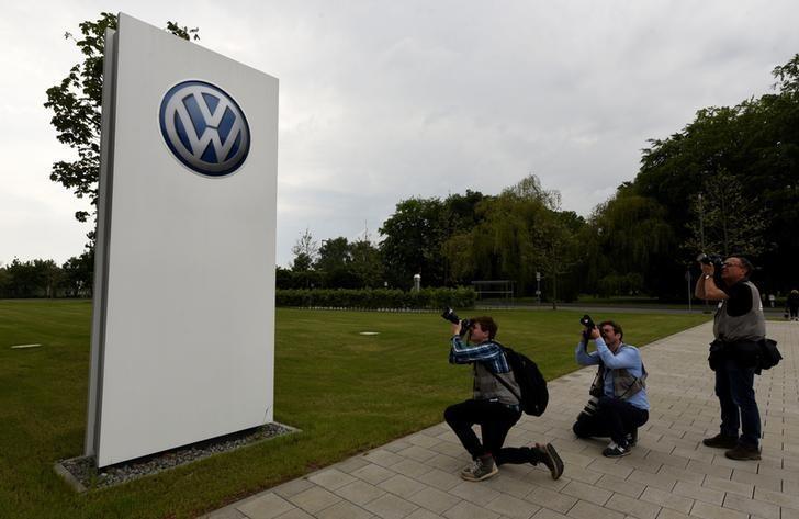 Reuters/Fabian Bimmer