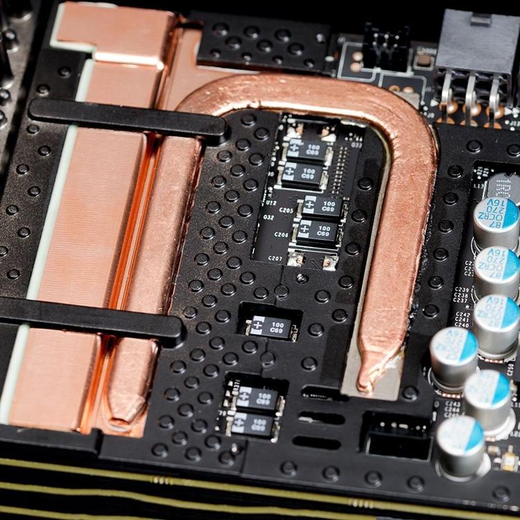 Охлаждение узлов питания у GeForce GTX 1080 Ti SC2 Black Edition