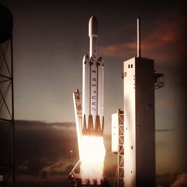 Первый запуск сверхтяжёлой ракеты SpaceX Falcon Heavy намечен на ноябрь