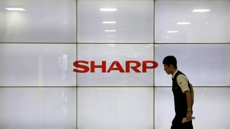 Sharp закончила с прибылью третий квартал подряд