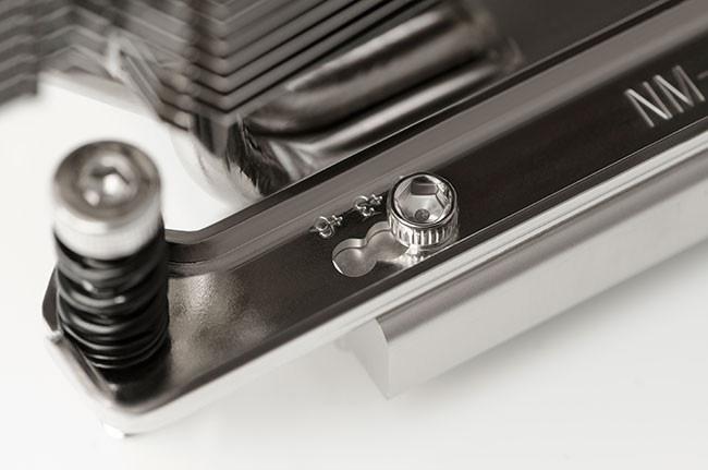 Три варианта крепления кулера позволяют регулировать расстояние до ближайшего слота PCI-E