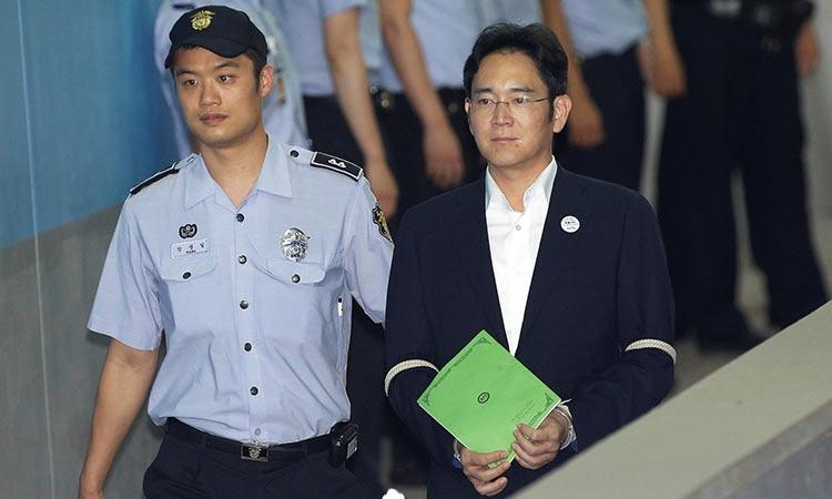 g9i0b56m - Руководитель Samsung может отправиться за решётку на 12 лет