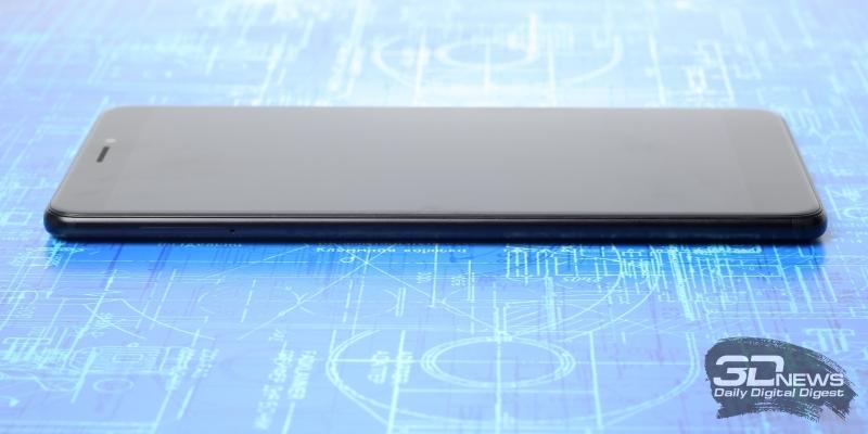 Xiaomi Mi Max 2, левая грань: слот для SIM-карт и/или карты памяти