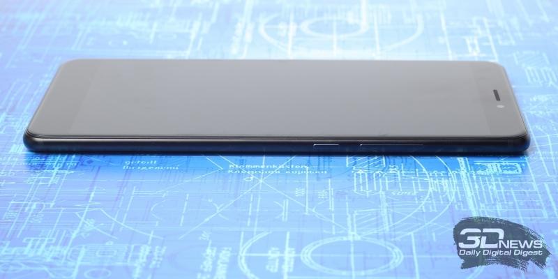 Xiaomi Mi Max 2, правая грань: клавиши регулировки громкости и включения