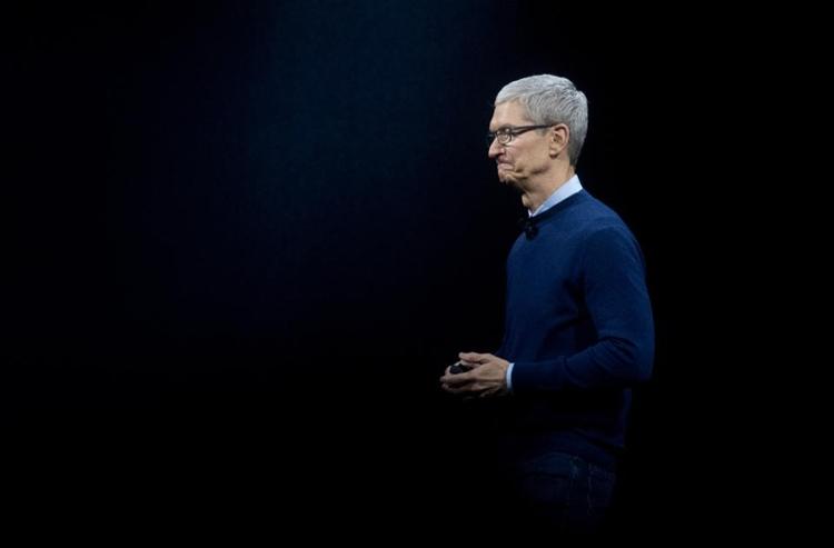 Глава Apple Тим Кук /  Josh Edelson/AFP