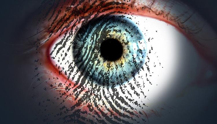 """Российские банки внедрят идентификацию клиентов по сетчатке глаза"""""""