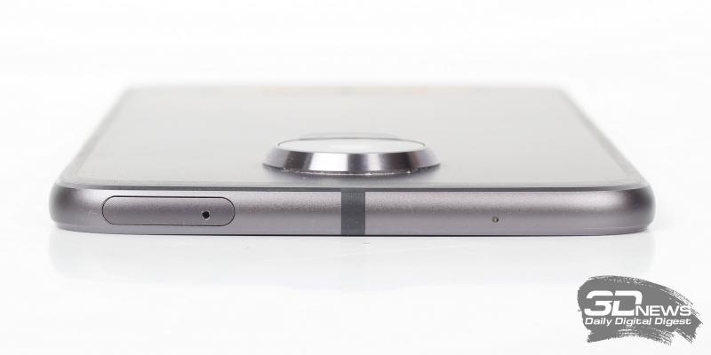 верхняя грань: дополнительный микрофон и слот для SIM-карт и карты памяти