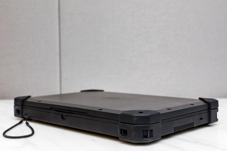 """Защищённый планшет Dell Latitude 12 Rugged Tablet работает под Windows 7"""""""