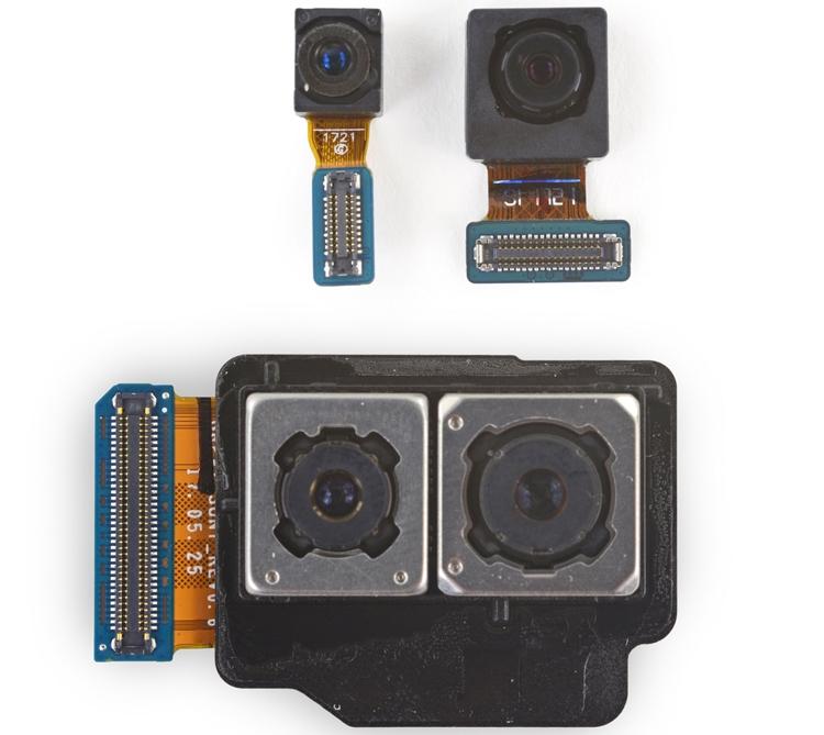 Galaxy Note8 — рекордсмен среди аппаратов Samsung по количеству камер. Их у фаблета четыре: две в тыльном модуле, одна «фронталка» и сканер сетчатки глаза