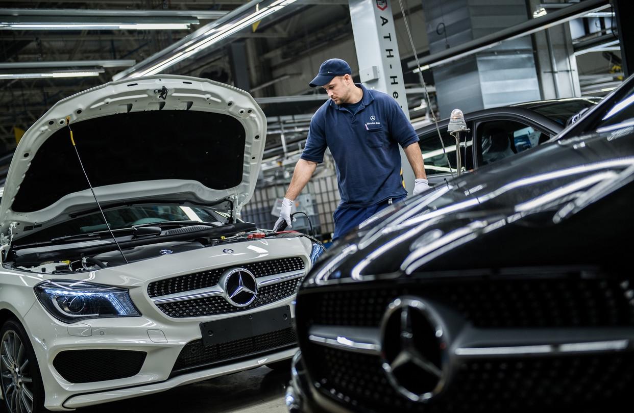 У всех автомобилей Mercedes-Benz будут электрические версии к 2022 году