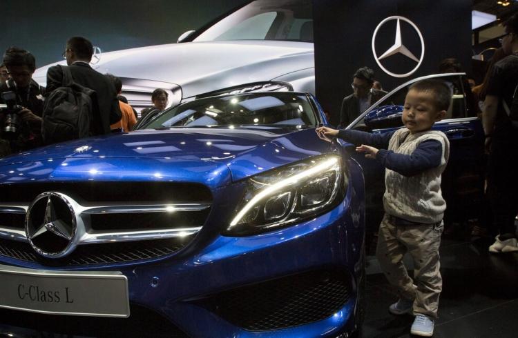 """У всех автомобилей Mercedes-Benz будут электрические версии к 2022 году"""""""