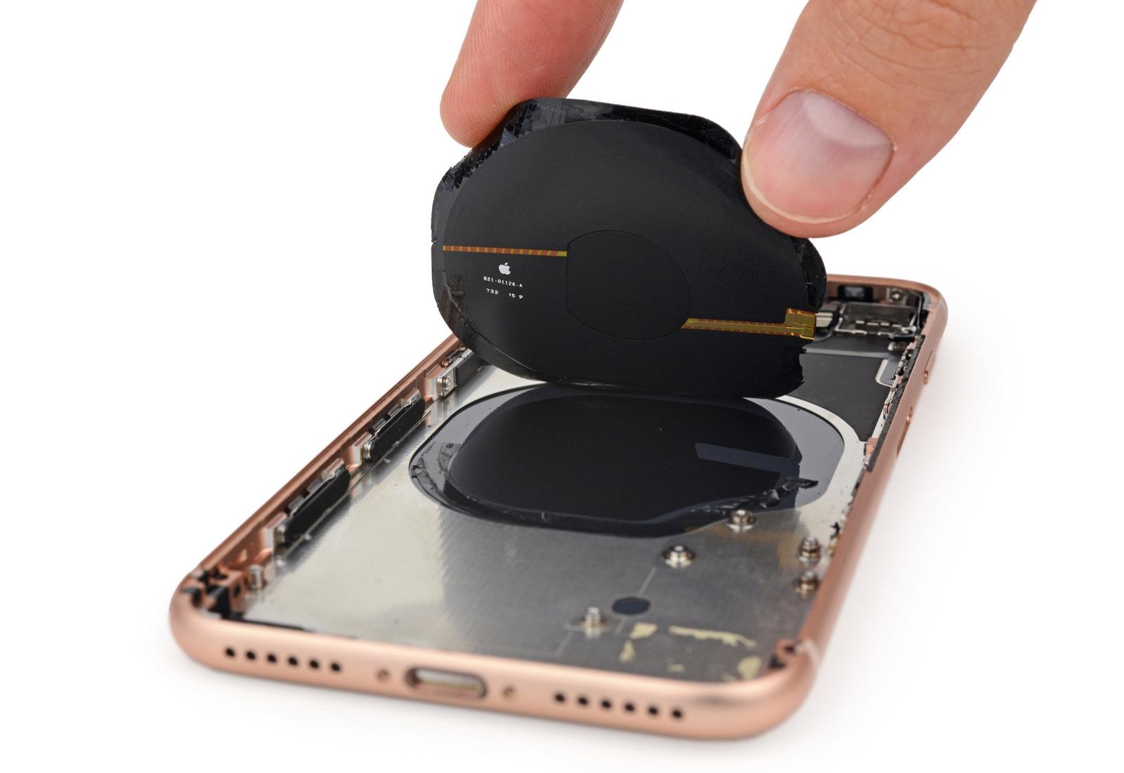 IFixit: iPhone 8 труднее чинить, чем iPhone 7