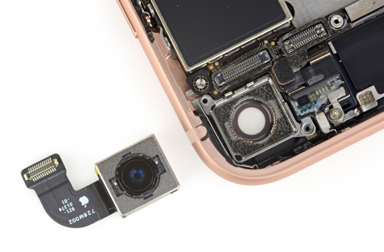 """Инженеры iFixit показали, как устроен iPhone 8 внутри"""""""