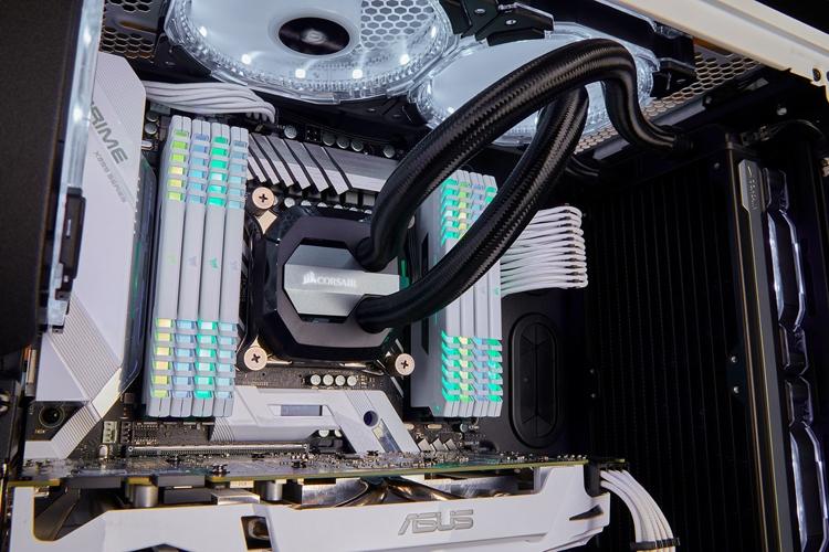 cor3 - Corsair Vengeance RGB White: модули памяти DDR4 в белом исполнении