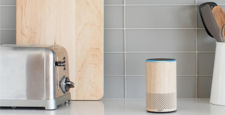 Amazon представила смарт-будильник Echo Spot совозможностью видеозвонков