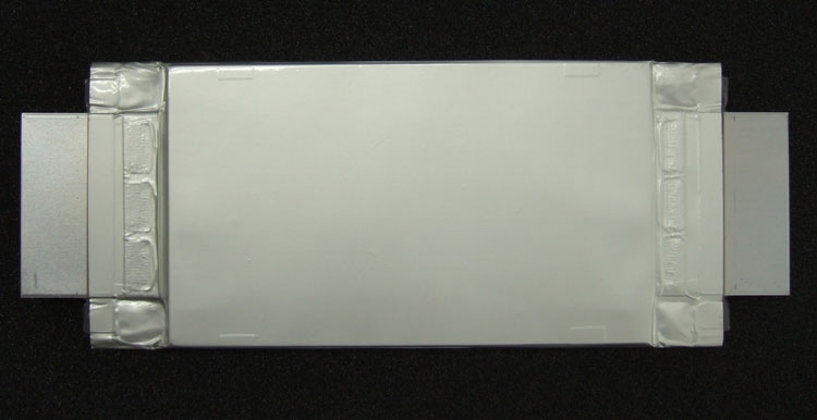 Прототип 50 А*ч аккумулятора Toshiba нового поколения ( габариты 111 × 194 × 14,5 мм)