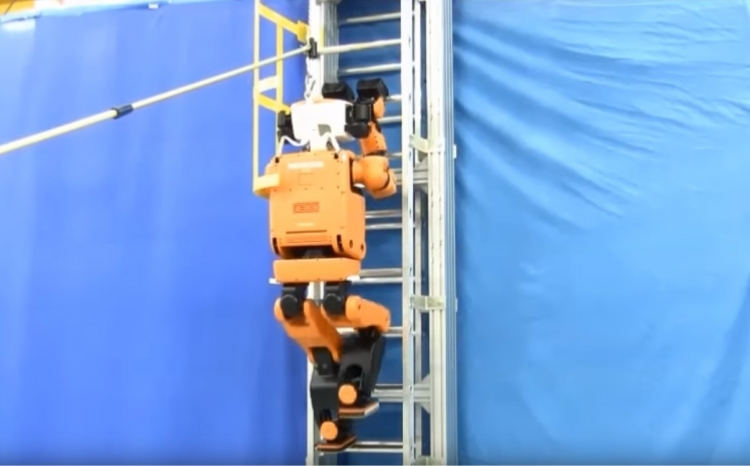 """Робот-гуманоид Honda E2-DR: и по лестнице вскарабкается, и через завалы проберётся"""""""