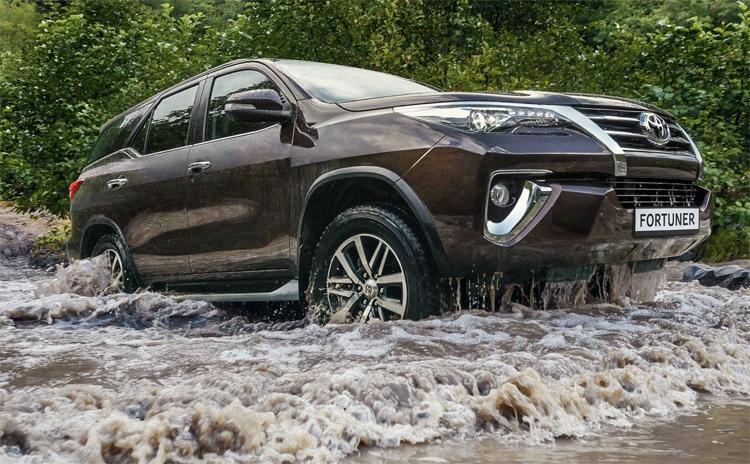 В РФ открылся прием заказов на Тойота Fortuner