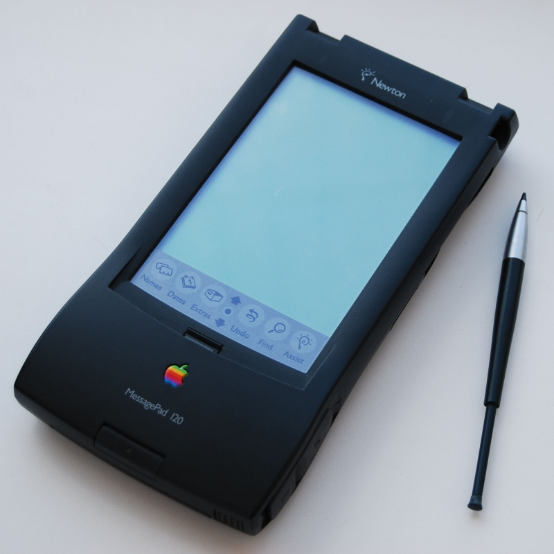 Apple Newton (Фото: Википедия)
