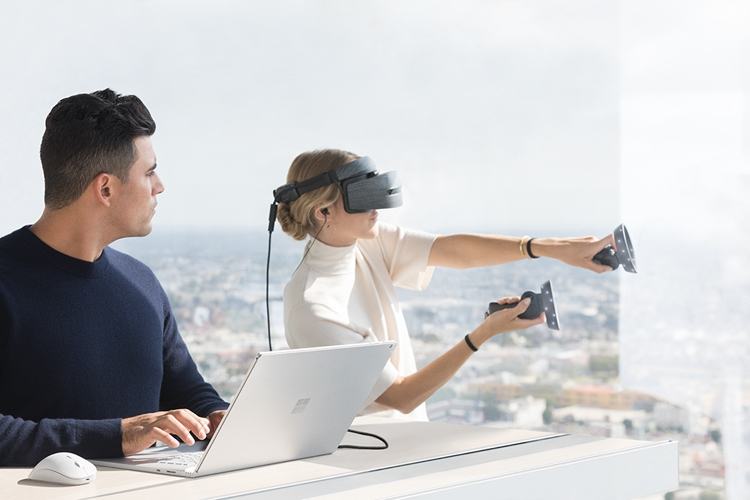 "Microsoft представила Surface Book 2 — свои самые мощные ноутбуки"""