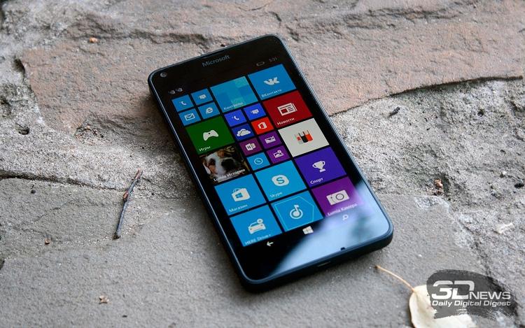 Lumia 640 (на фото) и 640 XL обновление Fall Creators Update не получат