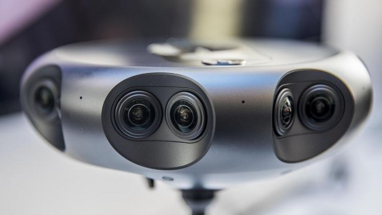 """Представлена панорамная камера Samsung Round 360 с 17 объективами стоимостью $10 500"""""""